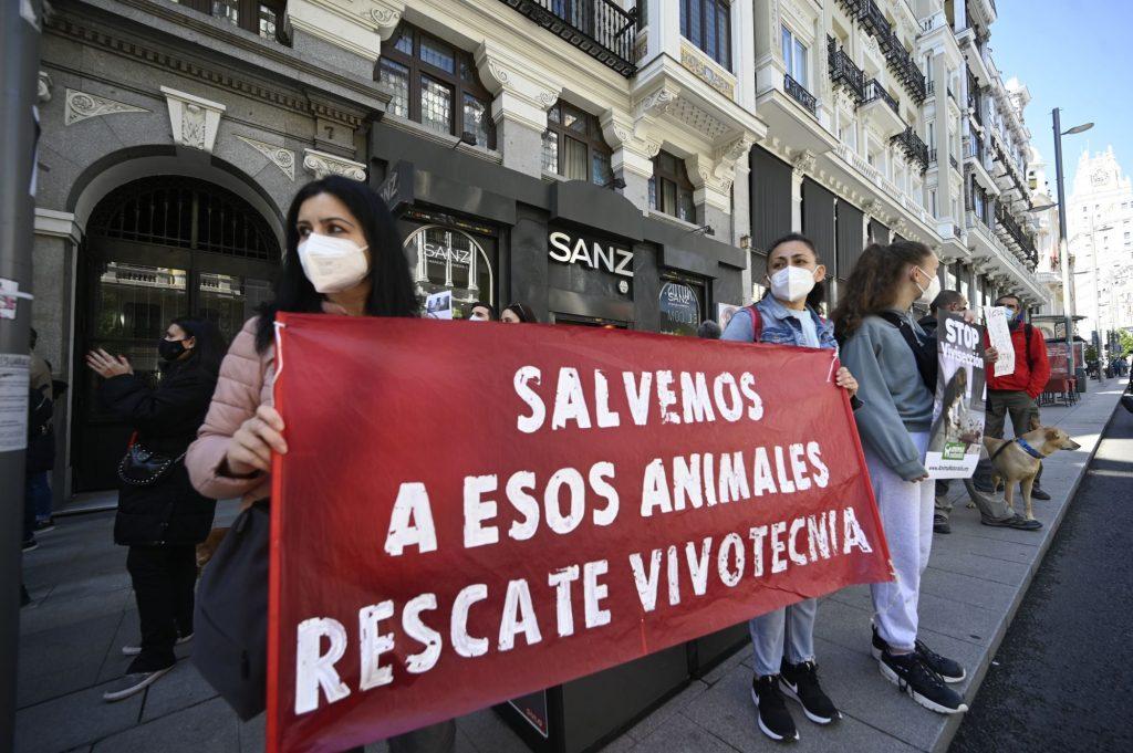Manifestación contra la empresa Vivotecnia.